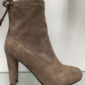 Shoes - Chunky heel ankle bootie